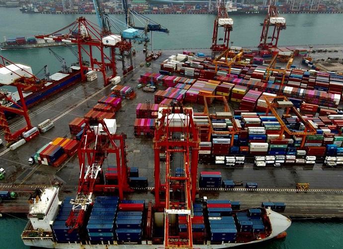 经济加快恢复,全球贸易强劲增长